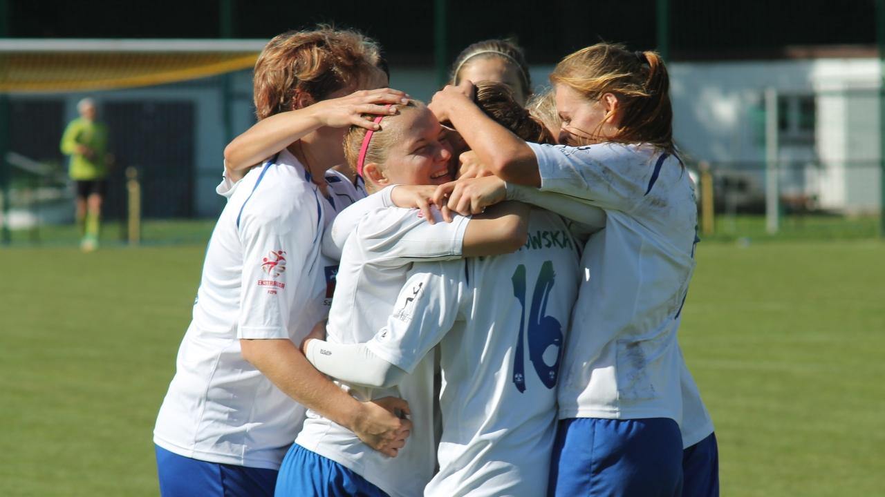 Po ponad dwóch tygodniach przerwy, do gry w rozgrywkach o mistrzostwo Polski powracają piłkarki nożne Olimpii.