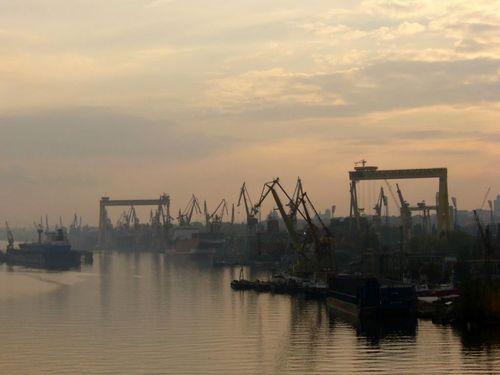 7 marca 2009 roku odbyło się ostatnie wodowanie dużego statku w Szczecinie. Wówczas na wodę spłynął kontenerowiec Fesco Vladimir.