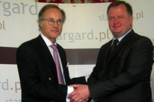 Henrii van Heyghen, prezes zarządu belgijskiej firmy i prezydent Stargardu Sławomir Pajor. Fot. M. Rumiński [PR Szczecin].