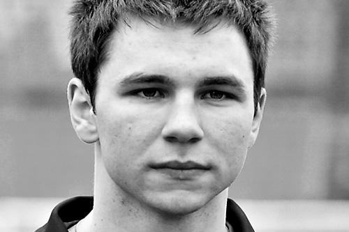 Mikołaj Lebedyński, wychowanek klubu, podpisał nowy kontrakt z Pogonią Szczecin. Będzie on obowiązywał do 30 czerwca 2013 roku. Fot. Łukasz Szełemej [PR Szczecin]