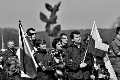 Uroczystość żałobna w Warszawie, transmisja na Jasnych Błoniach w Szczecinie (WIDEO)