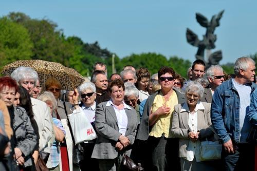 Szczecin: Tysiące wiernych przeszło w procesji Bożego Ciała