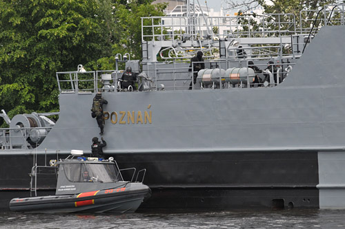 Statek odbity z rąk terrorystów