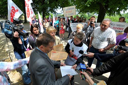 Protest związkowców przed urzędem