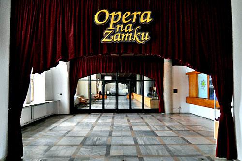 Opera nadal bezdomna
