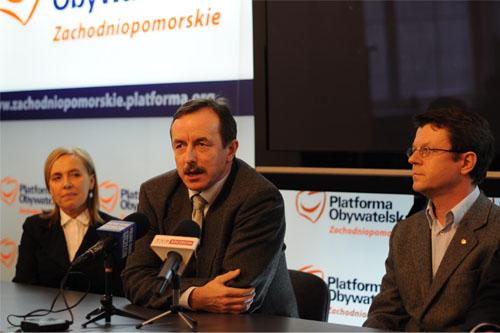 Od lewej: Urszula Pańka, Tomasz Grodzki, Tomasz Jarmoliński. Fot. Miłosz Gocłowski [PR Szczecin]
