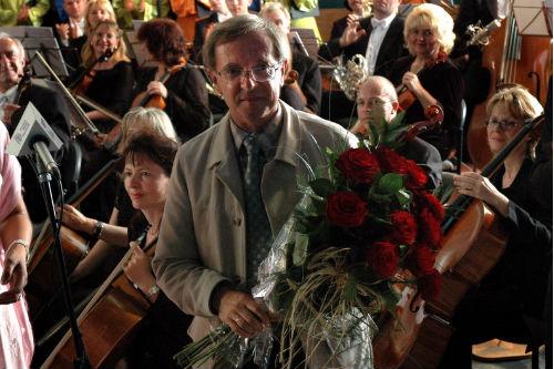 Ogólnokształcąca Szkoła Muzyczna I stopnia przy ulicy Bolesława Śmiałego w Szczecinie otrzyma imię prof. Marka Jasińskiego.