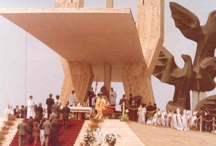 Jan Paweł II który dziś zostanie błogosławionym blisko 24 lata temu podczas swojej trzeciej pielgrzymki do Polski odwiedził Szczecin. 11 czerwca 1987 roku odprawił m.in. mszę świętą na Jasnych Błoniach. Fot. Archiwum Prywatne.
