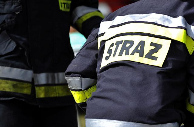 Palą się magazyny przy ulicy Gdańskiej w Szczecinie