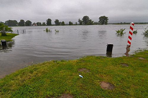 Poziom wody poniżej stanów alarmowych