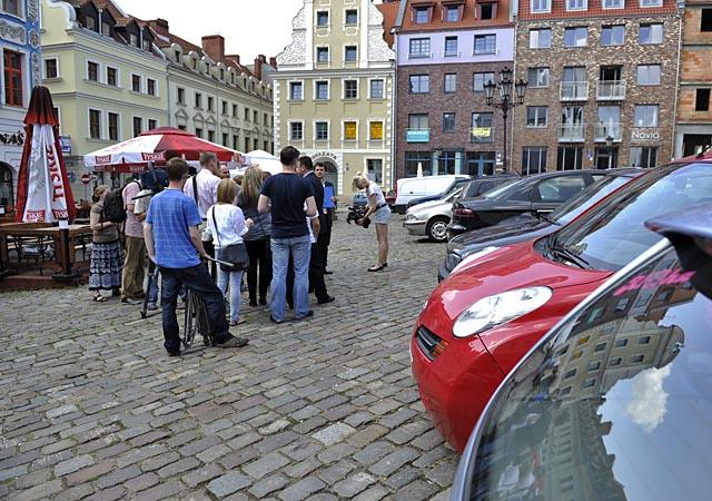 Sonda: Większość popiera zakaz parkowania na Rynku Siennym