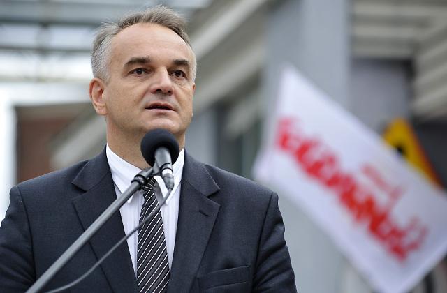 Pawlak: To, co pozostało ze stoczni w Szczecinie jest wyrzutem sumienia dla władz [WIDEO]