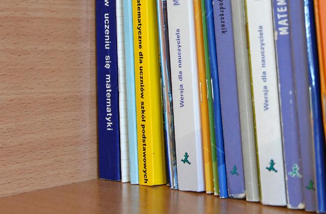 Uczniowie będą czytać podręczniki w iPadach