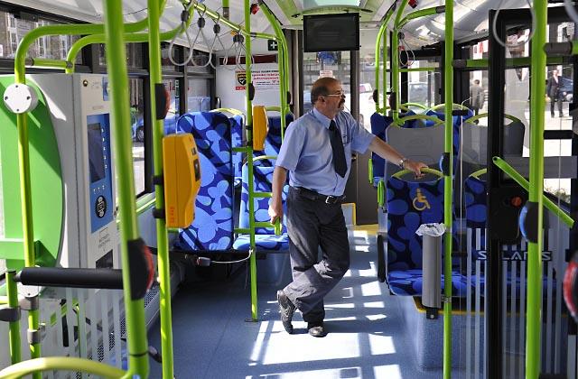 ZDiTM testuje system informacji dla pasażerów