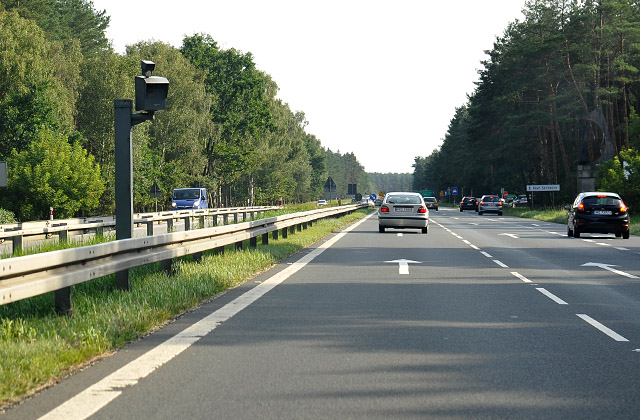 """Jak twierdzi szef """"drogówki"""" w regionie Grzegorz Sudakow, wszystkie fotoradary zostały przekazane Inspekcji, oznakowano także wszystkie punkty pomiarowe. Fot. Łukasz Szełemej [PR Szczecin]"""