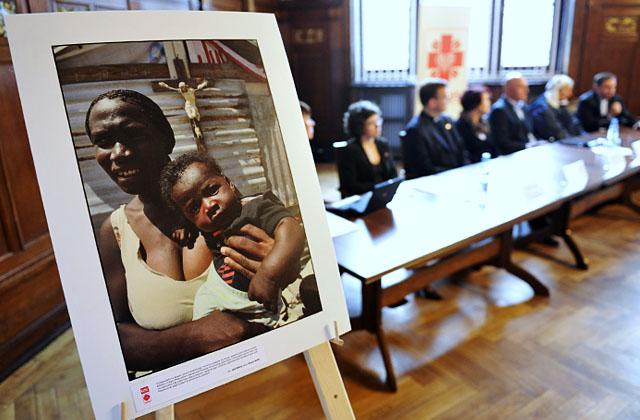 Chirurdzy, anestezjolodzy, stomatolog, pediatra, a także pielęgniarki, księża, siostra zakonna i tłumacz - w sumie 14 osób wyleci w piątek w najbardziej specjalistyczną europejską misję na Haiti. Fot. Łukasz Szełemej [PR Szczecin]