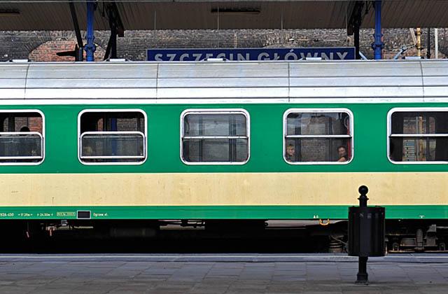 By ułatwić pasażerom podróż, spółki kolejowe przygotowały specjalną aplikację. Fot. Łukasz Szełemej [PR Szczecin/Archiwum].