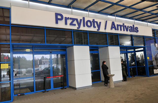 Port Lotniczy do 16 lutego czeka na decyzję banku w sprawie kredytu, który pozwoli spłacić wykonawcę prac. Jeżeli do tego nie dojdzie firma zapowiada, że wstąpi na drogę sądową. Fot. Łukasz Szełemej [PR Szczecin]