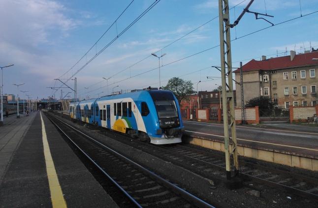 12 lat mieszkańcy Wałcza i Piły czekali na przywrócenie bezpośredniego połączenia kolejowego ze Szczecinem. Fot. Marek Synowiecki [PR Szczecin]