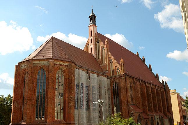 Kościół św. Jana Ewangelisty - fot. Łukasz Szełemej [PR Szczecin] Pochodzą z XIV w. i odkryto je u nas [ZDJĘCIA]