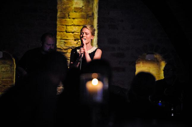 W piątek wieczorem wokalistki Magdalena Wilento oraz debiutująca, z nigeryjskimi korzeniami Angelika Anozie zaczarowały jazzem szczecińską publiczność. Fot. Łukasz Szełemej [Radio Szczecin]