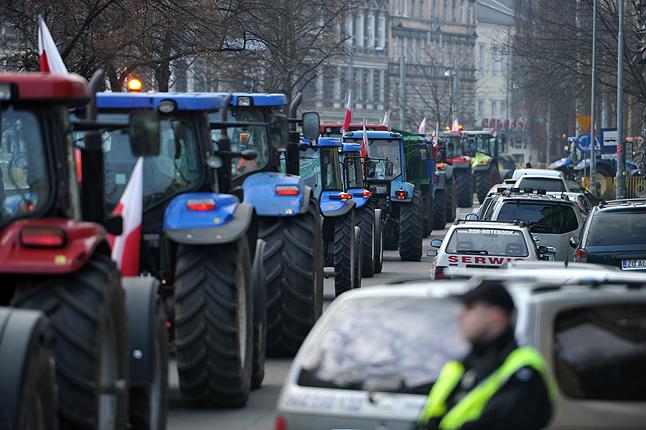 Rolnicy na ulicach i drogach [ZDJĘCIA]