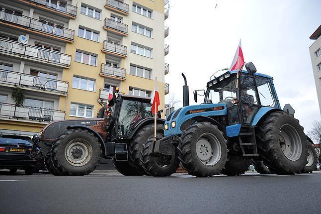 Rolnicy odpowiadają Gawłowskiemu i zaprzeczają jego sugestiom