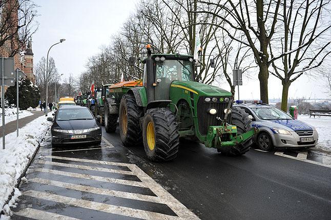 Szeliga: Jest tak, jak chcieli rolnicy. Kontrola trwa