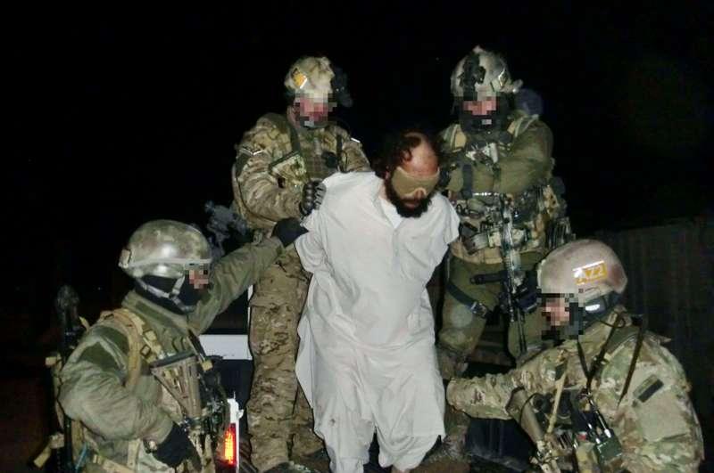 Komandosi złapali dowódcę talibów [ZDJĘCIA]