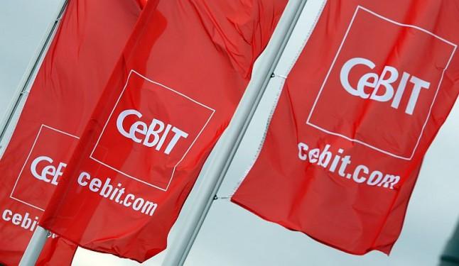 Premier Donald Tusk i kanclerz Niemiec Angela Merkel otworzyli targi cyfrowych technologii CeBIT w Hannoverze. Fot. Archiwum CeBIT.