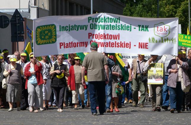 Działkowcy protestowali u marszałka i wojewody [ZDJĘCIA, WIDEO]