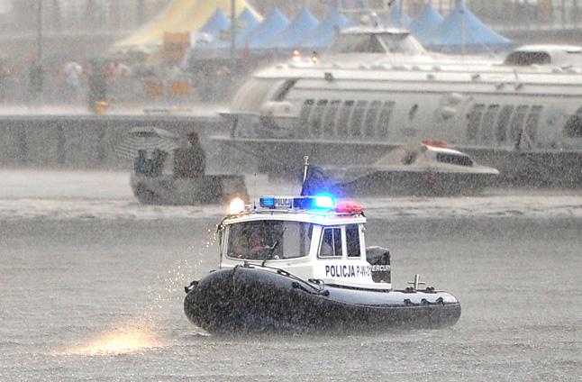 Deszcz nie wystraszył turystów. Zabawa trwa [ZDJĘCIA]