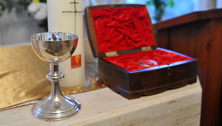 Zabytkowy kielich błogosławionego znów w kaplicy [ZDJĘCIA]