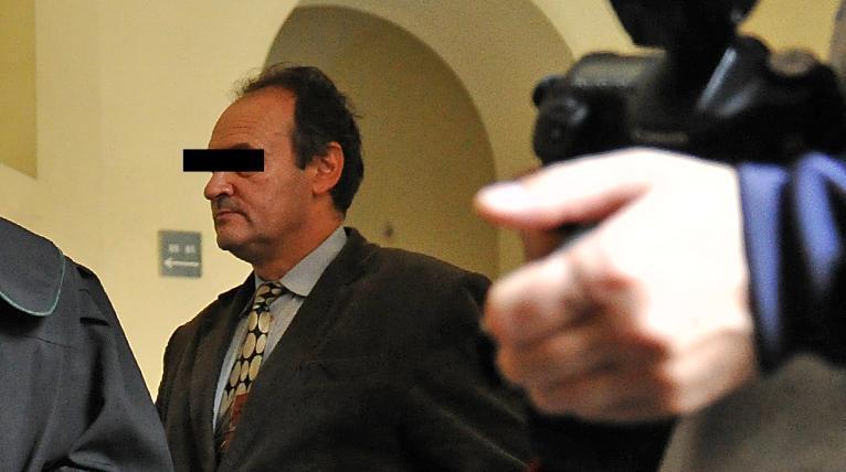 Hotelarz, podejrzany o sfałszowanie testamentu - na wolności