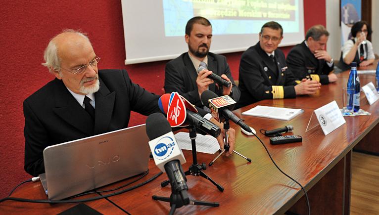 Co leży na dnie Zalewu Szczecińskiego? Archeolodzy i urząd prezentują swoje odkrycia [ZDJĘCIA, WIDEO]