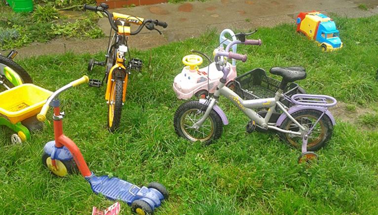 Komornik chciał sprzedać dziecięce rowerki. Wycofał się z licytacji