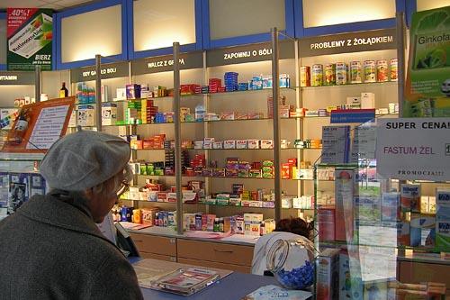 Zakaz sprzedaży leków poza apteką To uderzy w klientów