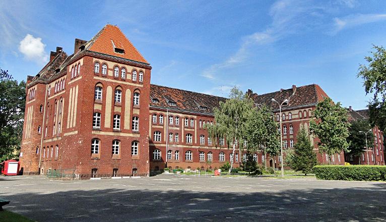 80 milionów złotych potrzebuje Uniwersytet Szczeciński na remont budynków wydziału filologicznego przy alei Piastów w Szczecinie. Fot. pl.wikimedia.org, Kapitel