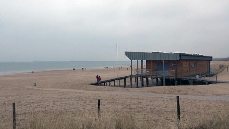 W tym roku morze odsłoniło ponad 30 metrów lądu w Świnoujściu. Fot. Piotr Sawiński [Radio Szczecin]