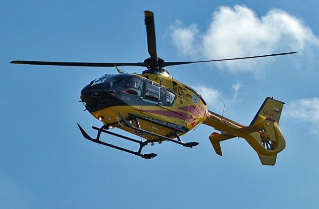 Pracownik spadł z rusztowania. Helikopter pogotowia poleciał na miejsce wypadku