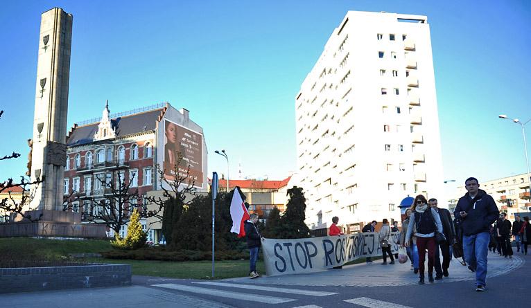 """Młodzieżówka PiS mówi """"stop rosyjskiej agresji"""" [ZDJĘCIA]"""