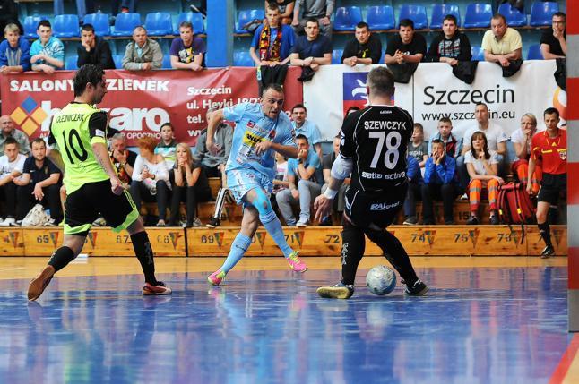 Pogoń 04 bez trenera. Klub po pięciu latach zwolnił Gerarda Juszczaka