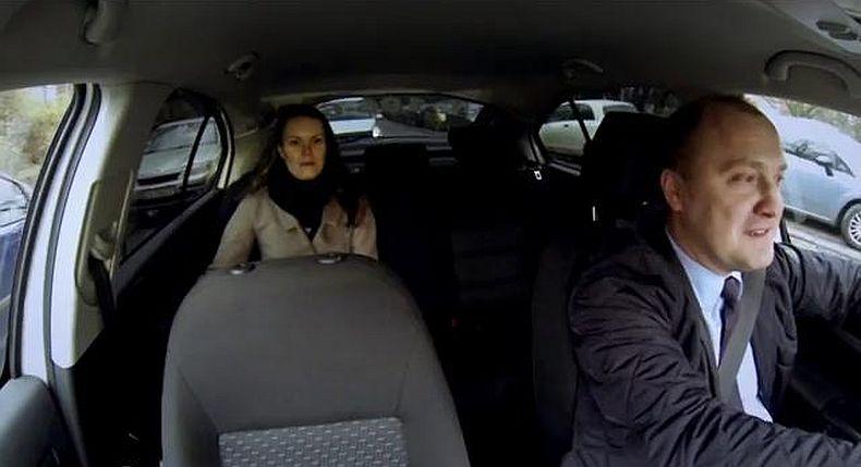 Prezydent Szczecina przesiadł się do taksówki i woził mieszkańców [WIDEO]