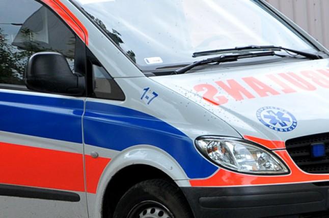 Autobus gwałtownie hamował, dwie osoby trafiły do szpitala
