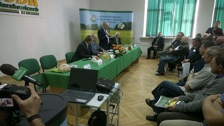 Rolnicy obrzucili ministra jajkami