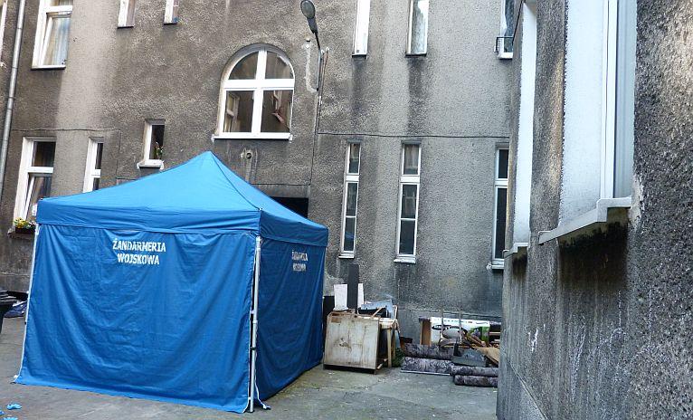 Kobieta wypadła z okna w centrum Szczecina