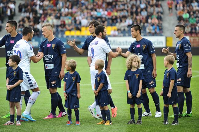 Portowcy zmierzą się z czterokrotnym mistrzem Niemiec