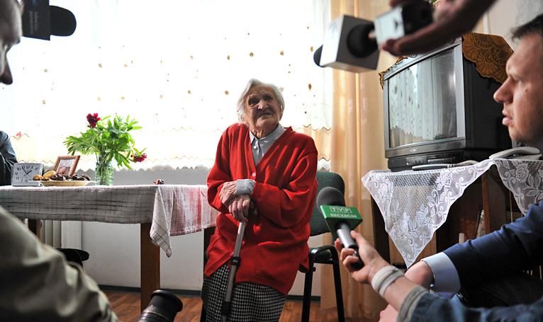 Najstarsza mieszkanka Szczecina świętowała 113. urodziny [ZDJĘCIA, WIDEO]
