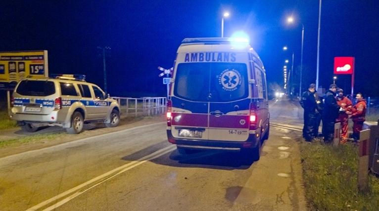 Tragiczny wypadek na przejeździe kolejowym. Nie żyje młody mężczyzna