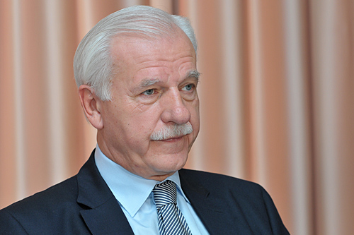 Olechowski o kandydacie Piskorskim: Popieram go, bo ma liberalne poglądy [WIDEO]